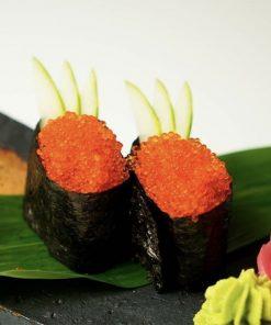 Sushi trứng cá chuồn